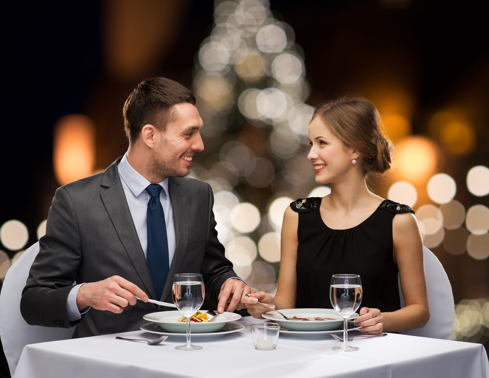 how to create atmosphere in a restaurant for the holidays